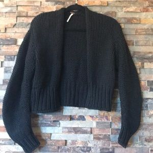Free People cropped cardigan sweater 🌻
